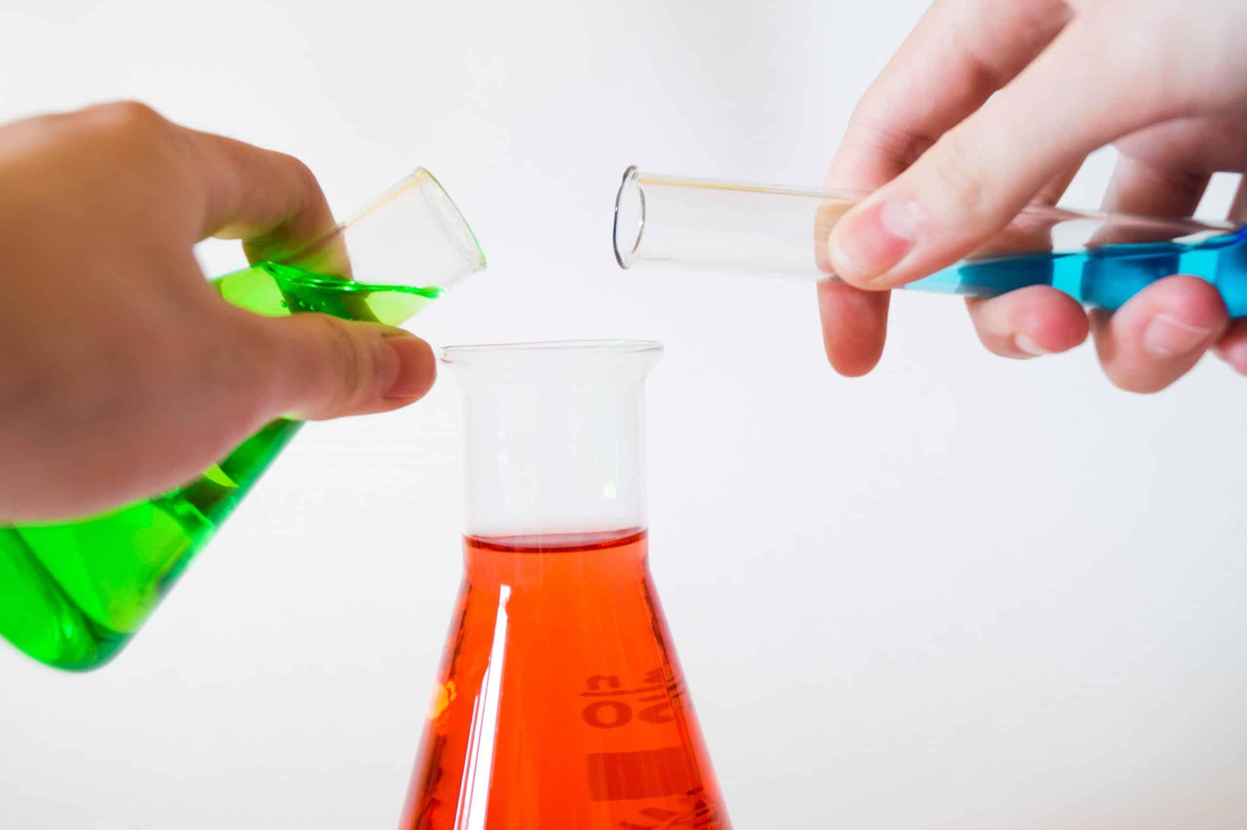 Logística Química Especializada en Barcelona